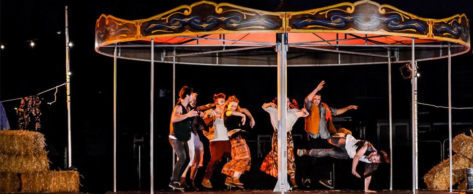 Stade Saturdays – a mix of circus, song and salsa