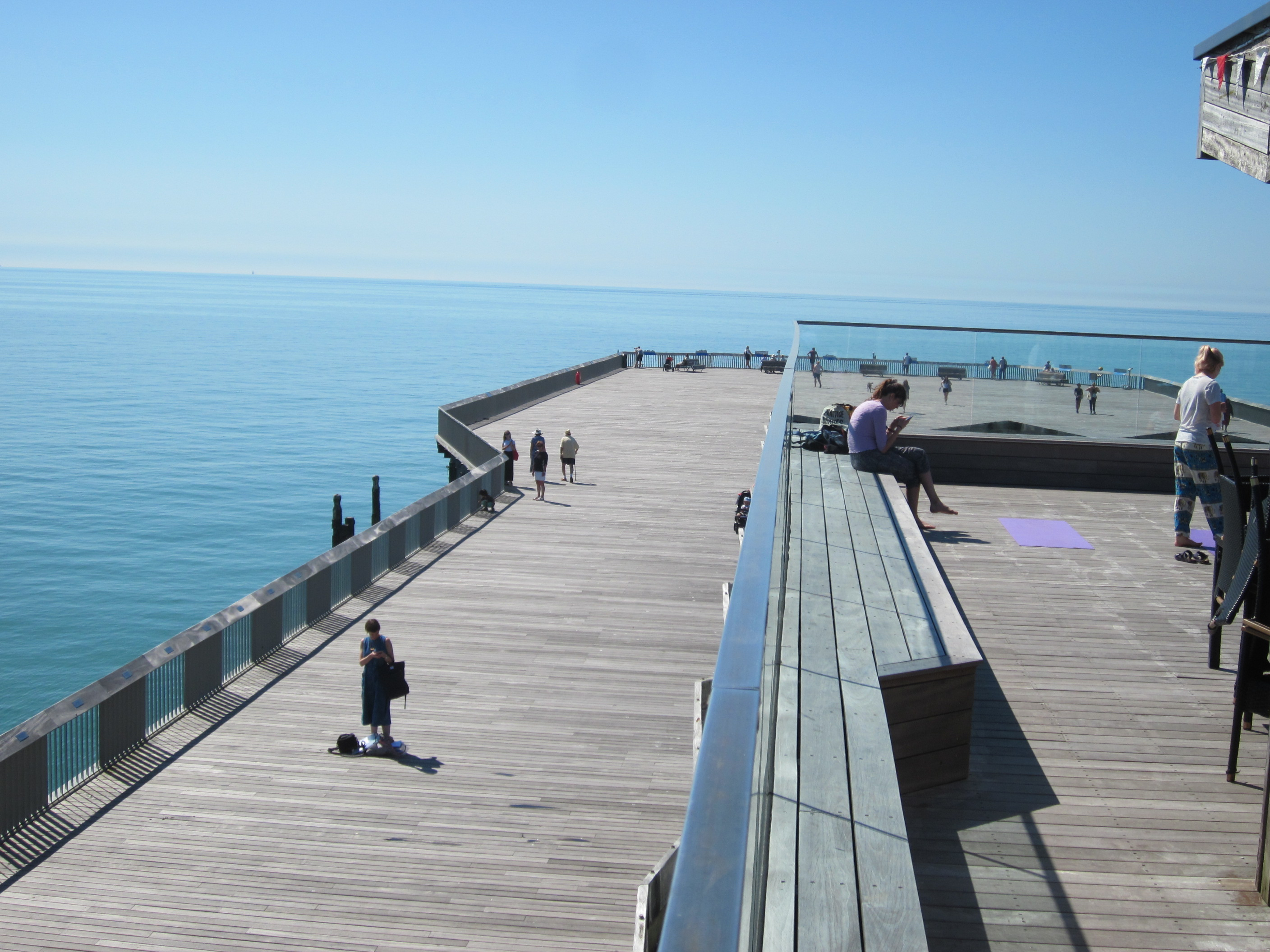 Business community gives its backing to new owner of Hastings Pier