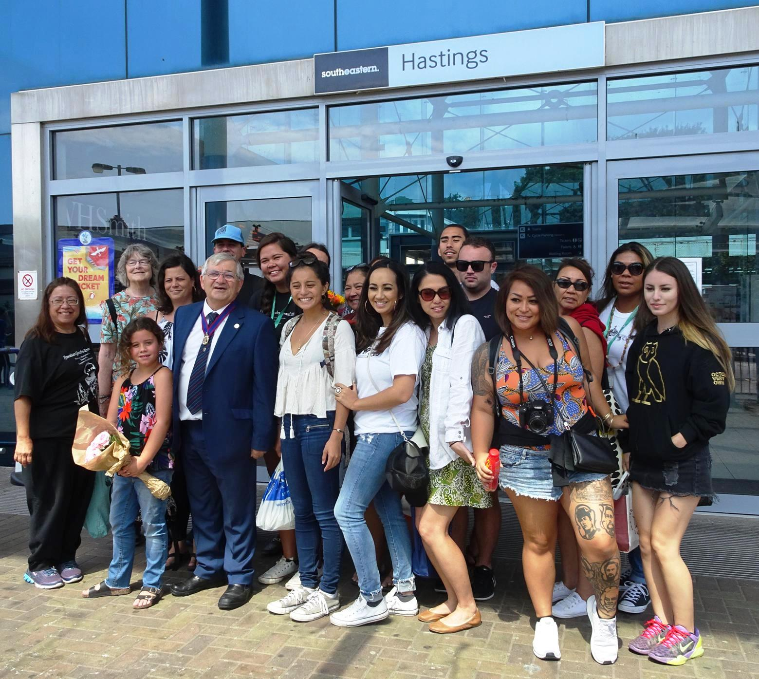 Students visit to honour Hastings' Hawaiian connection