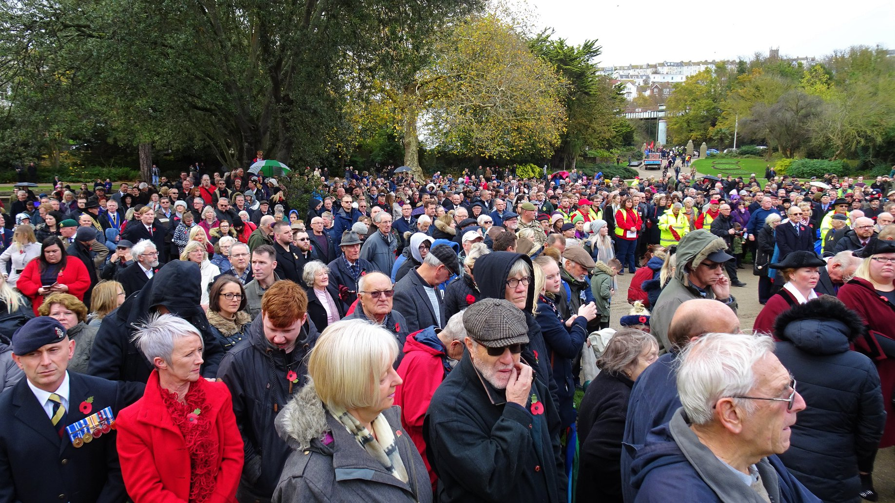 People of Hastings and St Leonards turn out in their hundreds to mark Remembrance day