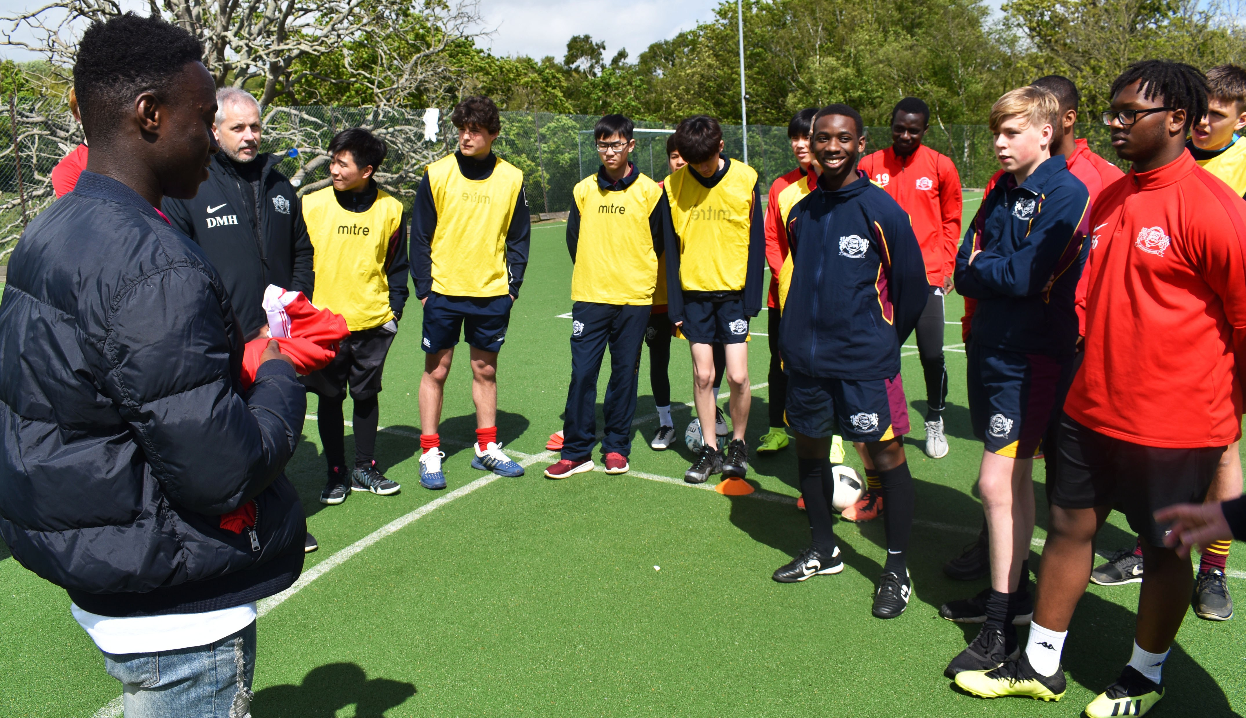Nottingham Forest's Arvin visits Buckswood's football academy