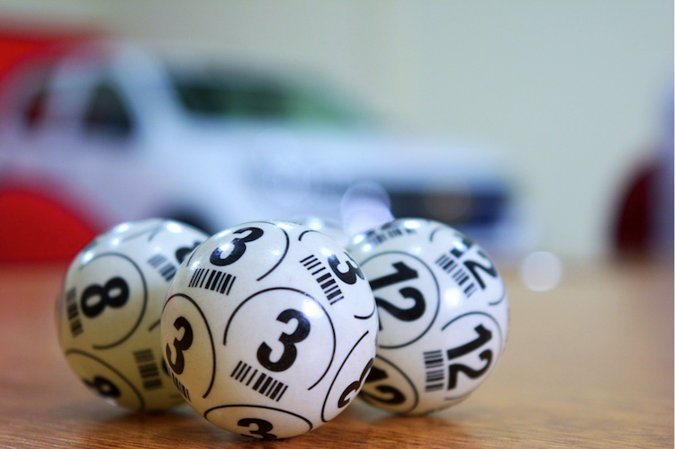 Can data be used to predict lottery numbers?