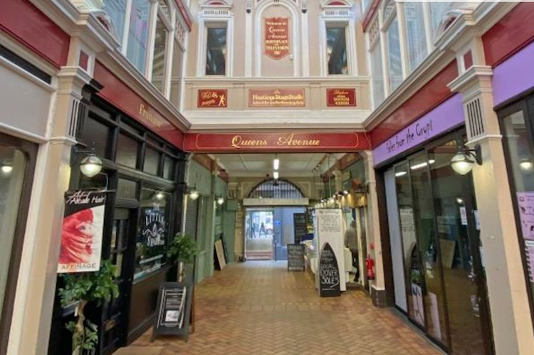 SOLD – hammer falls on Queens Arcade as bids reach £461,000