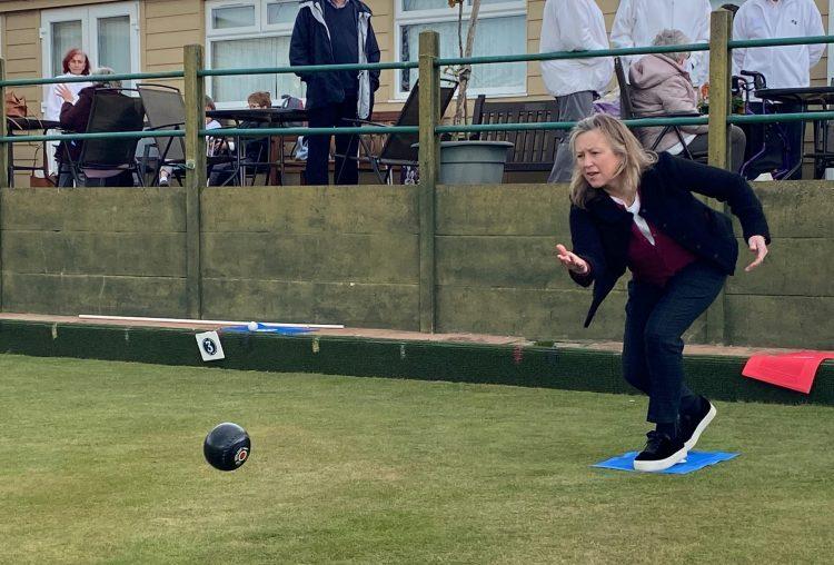 MP Sally-Ann Hart bowls first ball of Pett Bowls Club campaign