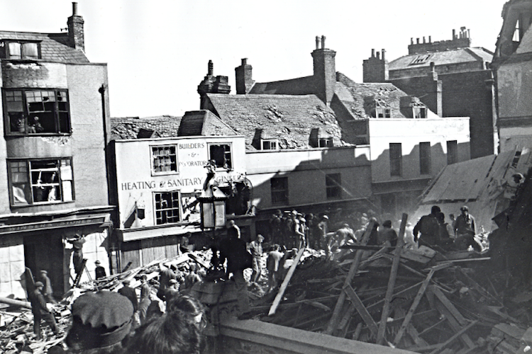 Direct hit – In memory of those who died when the Swan Inn was destroyed