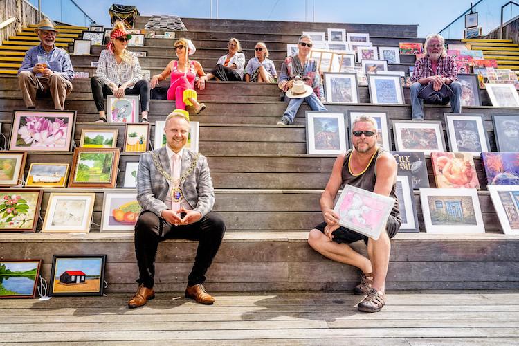 Loving Hastings – pop-up art gallery on pier is big hit in its first week