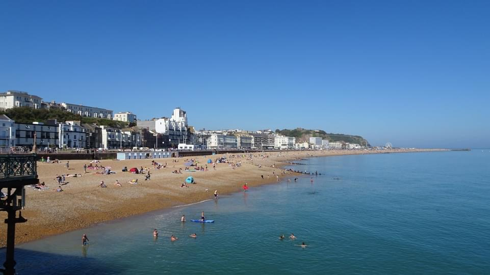 What a beautiful town we live in… The sun has got his hat on!